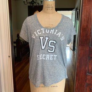 Victoria's Secret T-shirt MEDIUM EUC